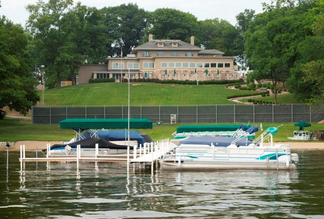 Tippecanoe Lake Country Club Party People Dj